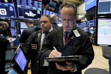 14日のニューヨーク証券取引所(AP=共同)