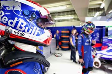 """F1 Topic:チームのために""""最善""""を尽くさなかったガスリー、チームオーダー拒否でハートレーとの関係にも亀裂"""