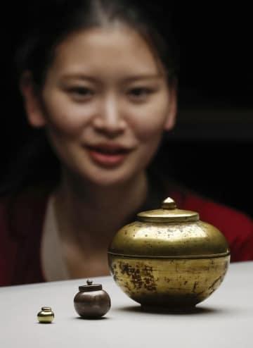 나라, 아스카시대 사리 용기 발견