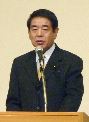 東京都内で講演する自民党の下村博文憲法改正推進本部長=15日午前