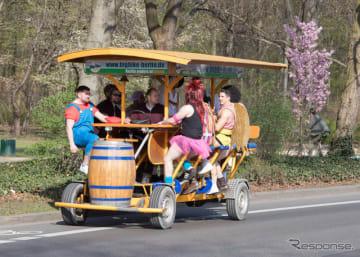パーティバイクの海外での例 (c) Getty Images