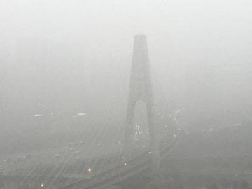 北京で今冬最悪の大気汚染、信号が識別不能になるレベルに―仏メディア