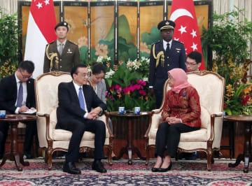 李克強総理、シンガポールのハリマ·ヤコブ大統領と会見