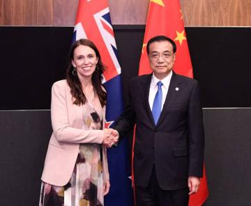 李克強総理、NZ首相と会見 双方向の貿易·投資拡大を期待