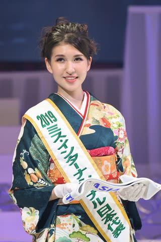 2018年のミス・インターナショナル世界大会に登場した岡田朋峰さん