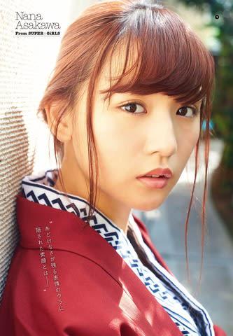 「ヤングガンガン」23号の表紙に登場した「SUPER☆GiRLS」の浅川梨奈さん(撮影:岡本武志)