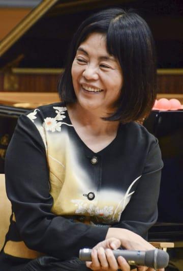 早稲田大のイベントに出演した作家で詩人の多和田葉子さん=15日夜、東京都新宿区