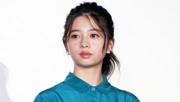 映画「ういらぶ。」の公開記念舞台あいさつに登場した桜田ひよりさん