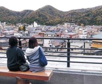 愛称は「山中節の見える丘」 加賀・山中温泉の展望広場