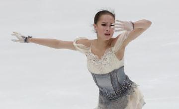 フィギュアのGPロシア杯、アリーナ・ザギトワのショートプログラム=16日、モスクワ(ロイター=共同)