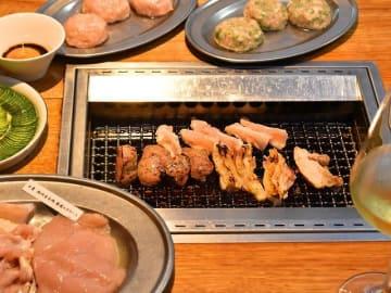 焼き鳥は串だけじゃない!焼肉スタイルでわいわい楽しい人気店はここだ!