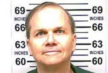 11月15日、ジョン・レノンさんを射殺した罪で服役しているマーク・チャップマン受刑者(63、写真)が8月22日の審理で、引き金を引く前に葛藤があったと話したことが分かった。1月撮影。提供写真 - (2018年 ロイター/New York State Department of Corrections and Community Supervision)
