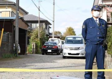 切断遺体で見つかった山田さんの自宅(左)=16日午後、八街市(画像は一部加工しています)