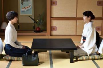 女優の木村佳乃さんが主演し、水野美紀さんが出演するドラマ「あなたには渡さない」の第2話の1シーン(C)テレビ朝日