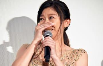 子役のサプライズに涙を流した篠原涼子