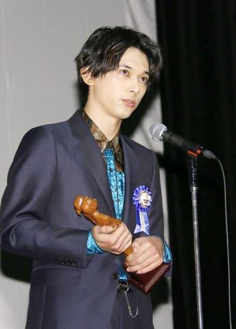 第10回TAMA映画賞の授賞式に出席した吉沢亮さん