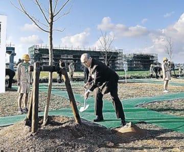 1700本の桜回廊完成 小松・木場潟公園、新名所に