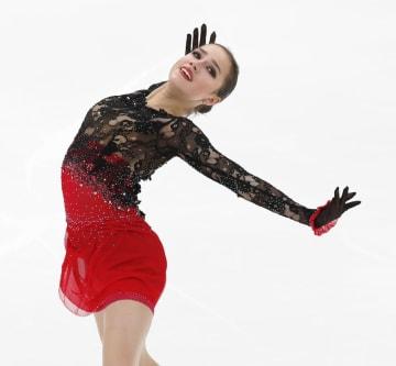 優勝したアリーナ・ザギトワのフリーの演技=モスクワ(共同)