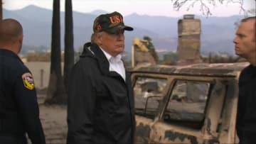 トランプ大統領「本当にひどい」 山火事被災地を視察