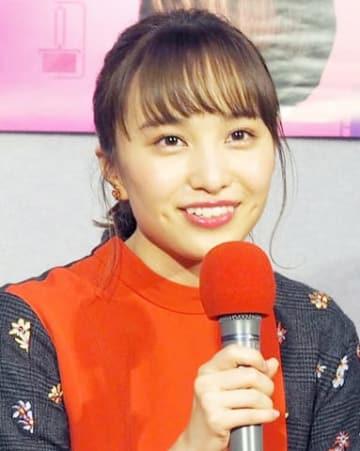 初主演ドラマ「プラスティック・スマイル」の会見に出席した百田夏菜子さん