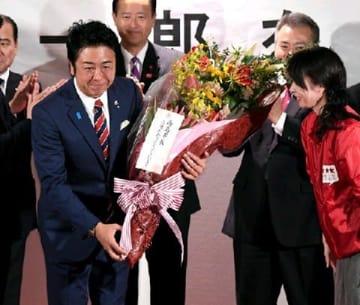 福岡市長選 現職の高島宗一郎氏が3選