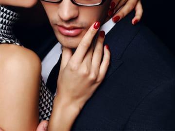 女の嘘:「付き合おう」は、ベッドに誘う常套句。女心を弄ぶ商社マンに、S級美女が仕掛けた罠
