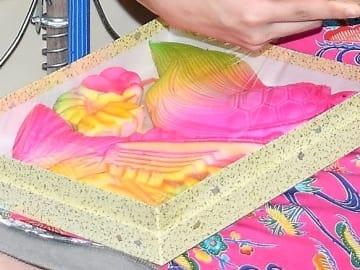 色鮮やかな伝統菓子「コーグヮーシ」