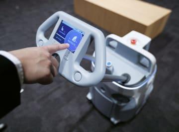 業務用ロボット掃除機「Whiz(ウィズ)」の操作画面=19日午後、東京都江東区