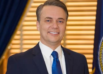 Kansas GOP Gov. Jeff Colyer says county official must resign