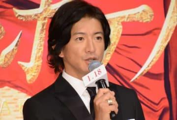 長澤まさみとともに映画『マスカレード・ホテル』完成報告会見に登壇した木村拓哉