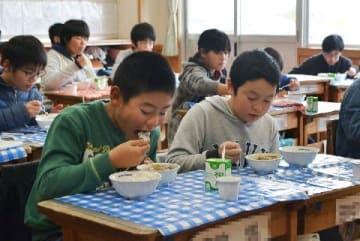 日田市の給食にシシ肉カレー登場 [大分県]