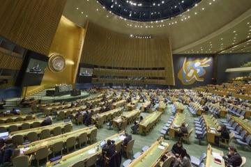 20日、国連総会本会議で開かれた安全保障理事会改革についての討論=ニューヨーク(国連提供・共同)