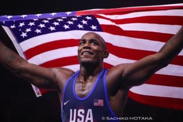 <レスリング>【2018年世界選手権・レビュー(8)】男子フリースタイル92kg級/決勝・表彰式・闘いのあと