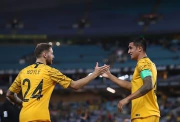オーストラリア代表を去るケイヒル(右) photo/Getty Images