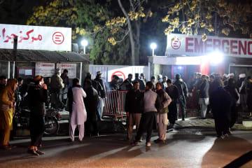 アフガニスタンの首都で自爆攻撃 少なくとも40人死亡