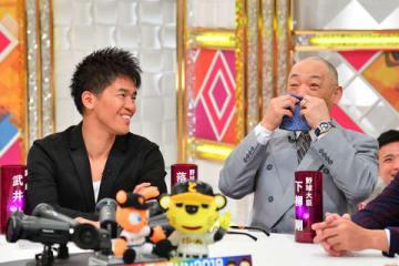 21日放送の番組「戦え!スポーツ内閣」に出演する元中日監督の落合博満さん(右)