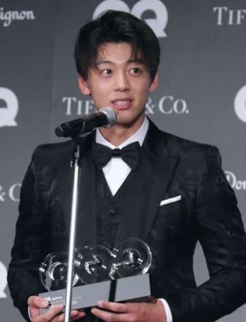 「GQ メン・オブ・ザ・イヤー2018」の授賞式に登場した竹内涼真さん