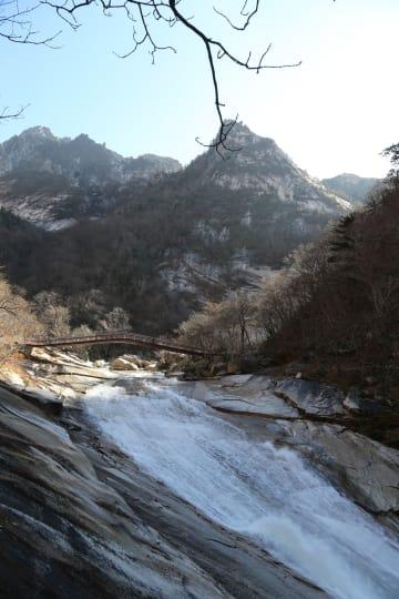 朝鮮と韓国、金剛山観光20周年で記念行事