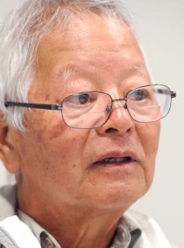 「人間性が伝わってくる」とキャパの写真の魅力を語る石川文洋さん=17日午後、水戸市内、武井浩一撮影