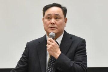 パワハラ被害で今年2月に裁判を起こした原告(2018年11月22日、東京都内の連合会館)