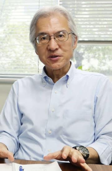 インタビューに答える森下丈二IWC日本政府代表