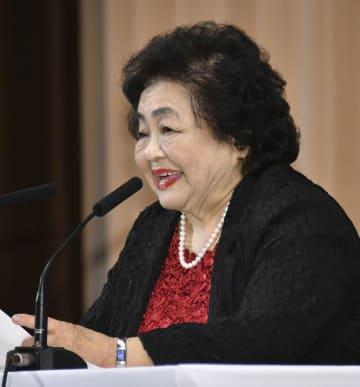 母校の広島女学院大で講演するサーロー節子さん=23日午後、広島市