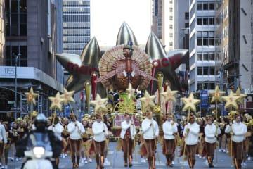 米ニューヨークで感謝祭パレード開催