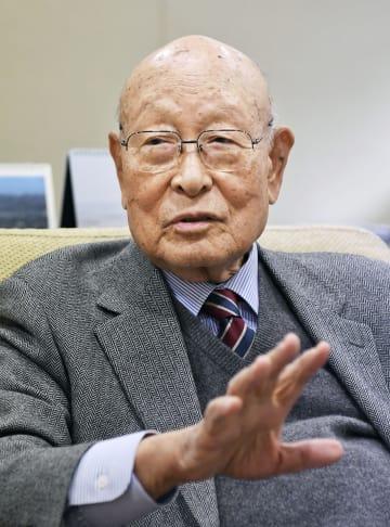 インタビューに答える韓国の孔魯明元外相=23日、ソウル(共同)