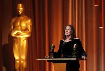 11月19日、米アカデミー賞を主催する映画芸術科学アカデミーは18日、人気SF映画シリーズ『スター・ウォーズ』のプロデューサー、キャスリーン・ケネディさん(写真)に長年の映画業界への貢献を称え、名誉賞を授与した - (2018年 ロイター/Mario Anzuoni )