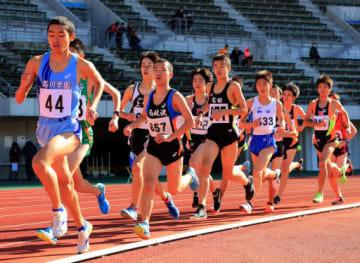 県代表の座を懸けて熱走を繰り広げた中学男子3000メートル