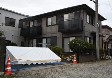 山田基裕容疑者と容子さんが住んでいた自宅=24日午後、八街市八街ほ
