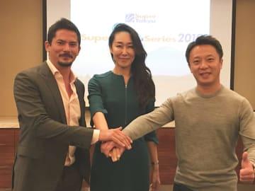 右)マーチ―リー、左)アレックス ユーンの両氏がスーパー耐久アジアのアドバイザーに。中央)スーパー耐久機構事務局長 桑山晴美氏