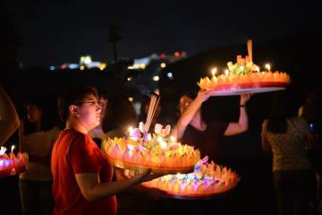 ブルネイ在住タイ人 幻想的なロイクラトン祭りを満喫