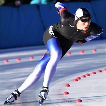 総合男子 1500メートルで大会新記録をマークし優勝した磯(高崎健大)=県総合スポーツセンター伊香保リンク